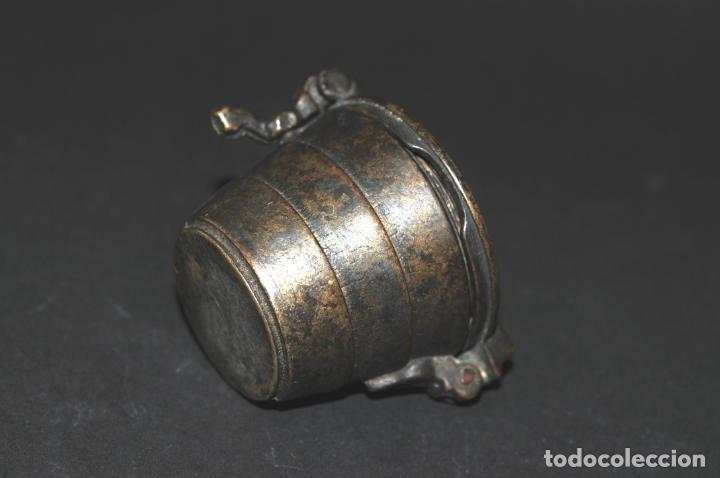 Antigüedades: ORIGINAL PONDERAL DE BRONCE - CON MARCAS EN EL INTERIOR DE LA TAPA - Foto 6 - 202877370