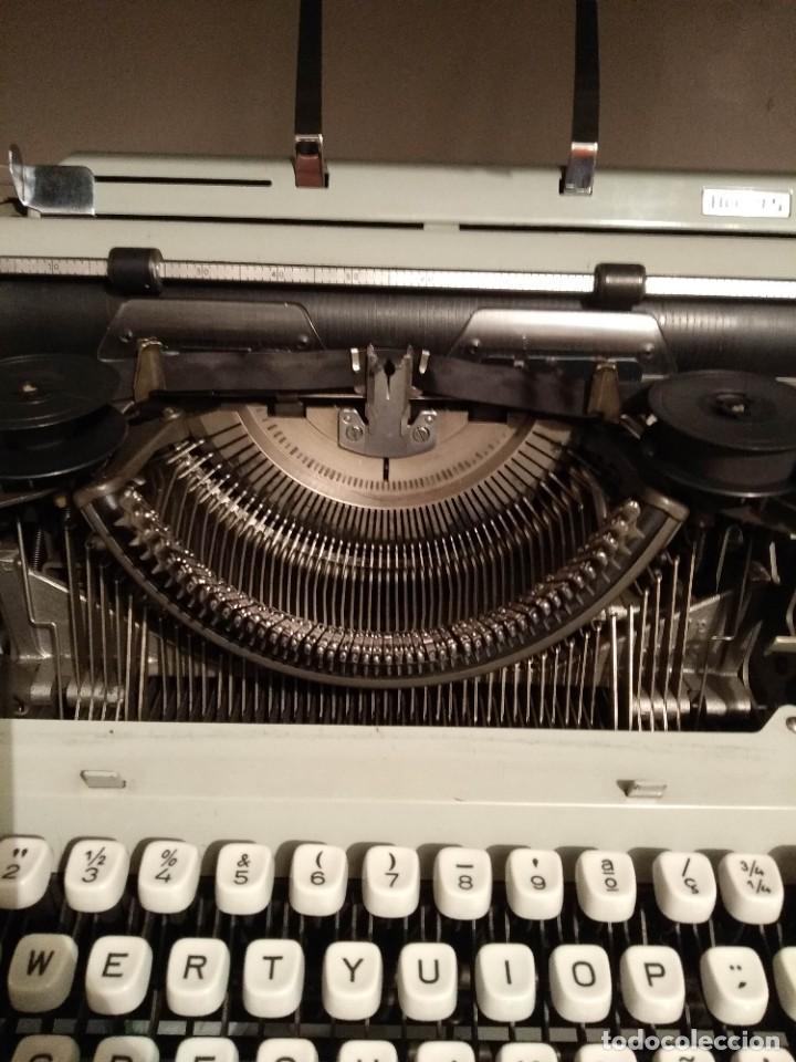 Antigüedades: Maquina de escribir - Foto 2 - 202897368
