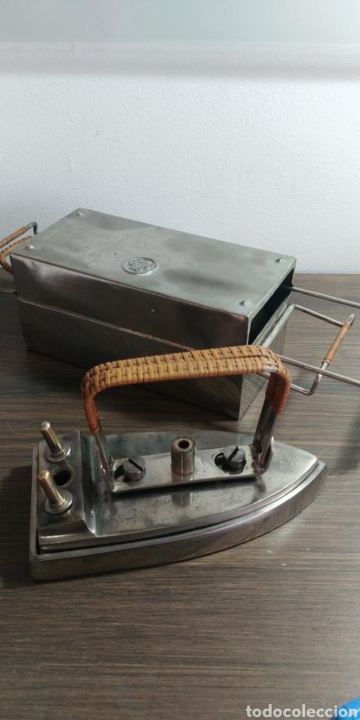 Antigüedades: Plancha antigua plegable portatil - Foto 3 - 202953128