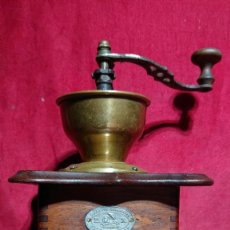 Antigüedades: MOLINILLO CAFE DE MESA ZASSENHAUS TOLVA EXTERNA ABIERTA ALTURA TOTAL 28 CM. Lote 203293962