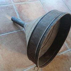 Antigüedades: ANTIGUO EMBUDO DE HIERRO, BODEGA, VINO, MEDIDA 39'5X52. Lote 203388805