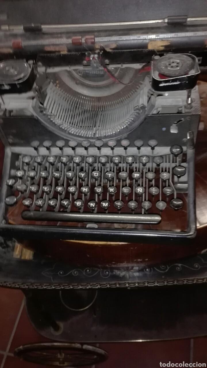 Antigüedades: Maquina de escribir gastos de envío mínimos 20€ - Foto 2 - 203504396