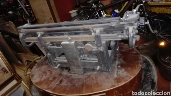 Antigüedades: Maquina de escribir gastos de envío mínimos 20€ - Foto 5 - 203504396