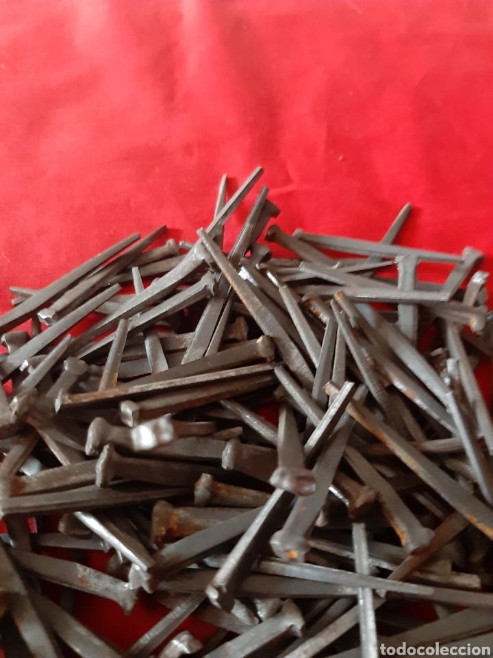 Antigüedades: 570 gramos en clavos antiguo de forja 5 cm de largo - Foto 2 - 203522125