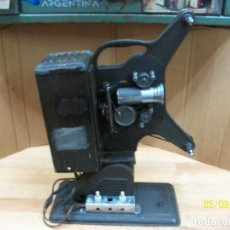 Antigüedades: ANTIGUO PROYECTOR KEYSTONE MOVIEGRAPH-MODELO D-752-USA. Lote 203522340