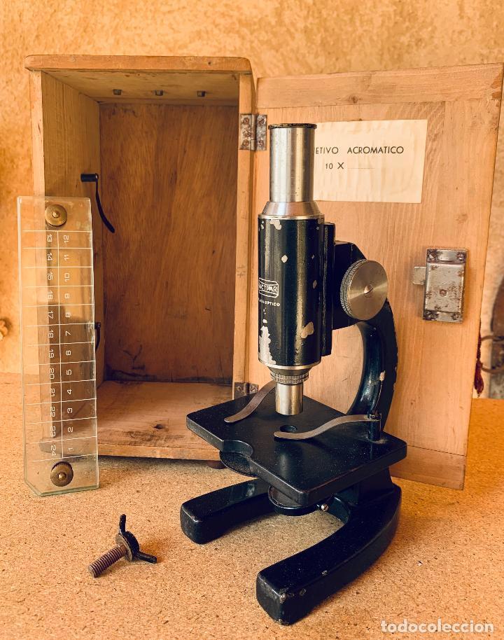 ANTIGUO MICROSCOPIO TRIQUINOSCOPIO CON CAJA DE MADERA . ULLOA OPTICO . (Antigüedades - Técnicas - Instrumentos Ópticos - Microscopios Antiguos)