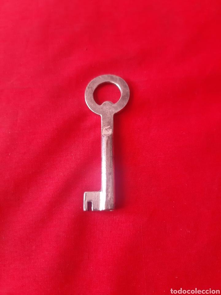 Antigüedades: Lote de 6 llaves antiguas de forja dos de latón - Foto 4 - 203569853