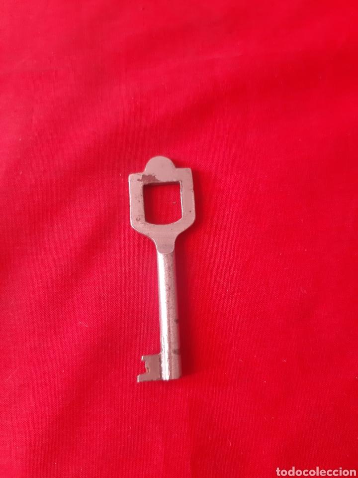 Antigüedades: Lote de 6 llaves antiguas de forja dos de latón - Foto 5 - 203569853