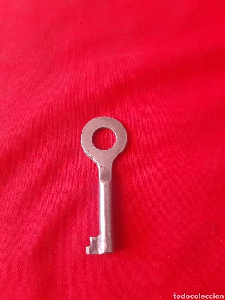 Antigüedades: Lote de 6 llaves antiguas de forja dos de latón - Foto 7 - 203569853