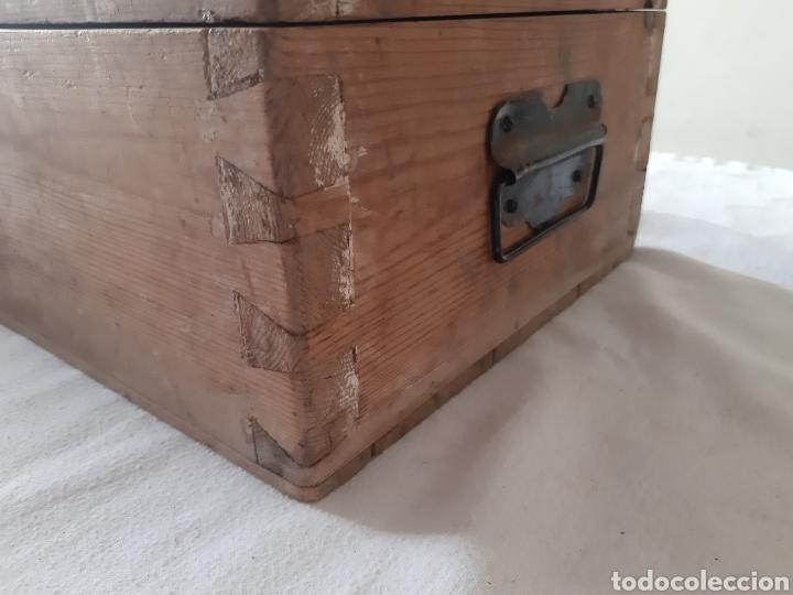 Antigüedades: Antigua caja de herramientas de carpintero en madera - Foto 4 - 203612953