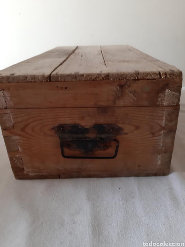 Antigüedades: Antigua caja de herramientas de carpintero en madera - Foto 5 - 203612953