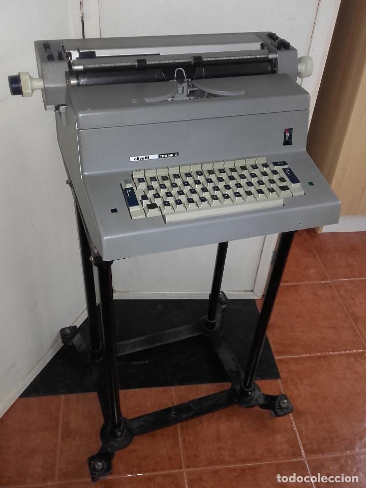 MAQUINA DE ESCRIBIR ELECTRICA OLIVETTI TEKNE 3 - PARA RECOGER EN GIJON. NO SE ENVIA (Antigüedades - Técnicas - Máquinas de Escribir Antiguas - Olivetti)