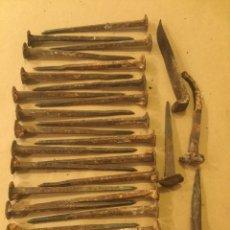Antigüedades: LOTE ANTIGUOS CLAVOS FORJA FUNDICION. Lote 203767926