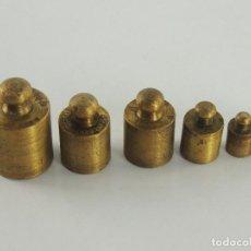 Antigüedades: JUEGO DE 6 PESAS DE LATON. Lote 203886227