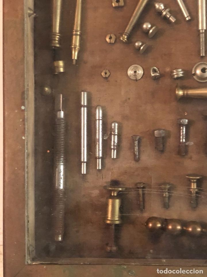 Antigüedades: Magnifico muestrario de tornilleria y herramientas siglo XIX - Foto 10 - 137569941