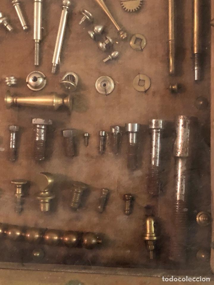 Antigüedades: Magnifico muestrario de tornilleria y herramientas siglo XIX - Foto 12 - 137569941