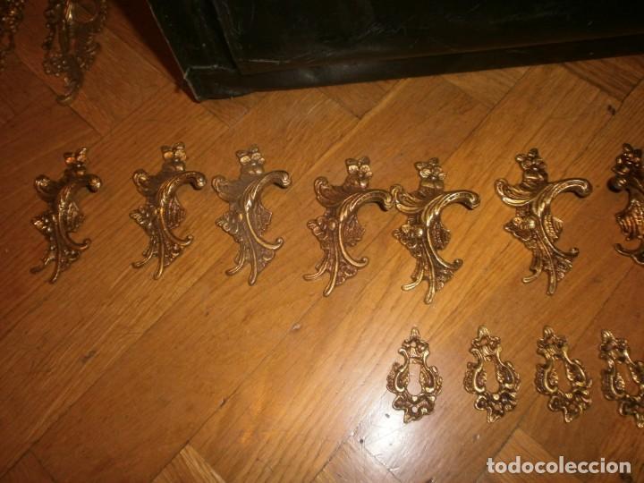 Antigüedades: 6 parejas de tiradores calamina o bronce dorados filigrana con 6 boca llaves medida 8,5 cm. - Foto 3 - 203932800