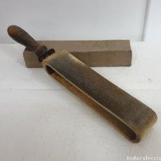 Antigüedades: AFILADOR ASENTADOR DE NAVAJAS. Lote 204144465