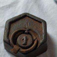 Antigüedades: PESA DE HIERRO ANTIGUA. 1 LIBRA.. Lote 204261683