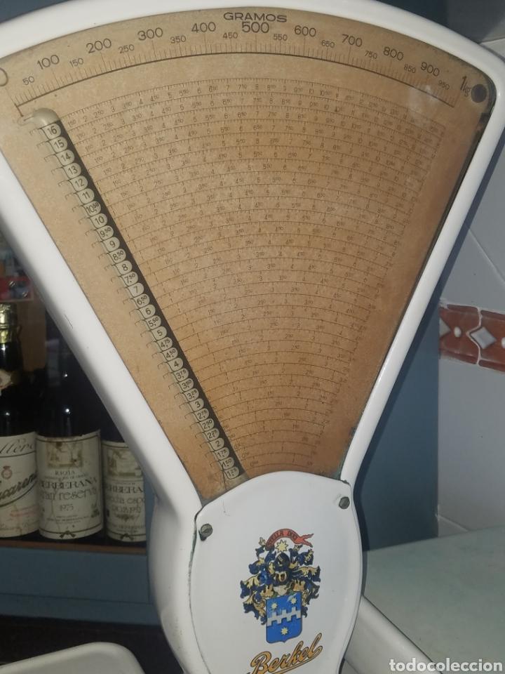 Antigüedades: Antigua Balanza Berkel Stella Duce Hierro forjado esmaltado porcelana blanca, Años 60. - Foto 5 - 204264718