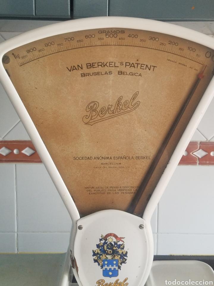 Antigüedades: Antigua Balanza Berkel Stella Duce Hierro forjado esmaltado porcelana blanca, Años 60. - Foto 8 - 204264718
