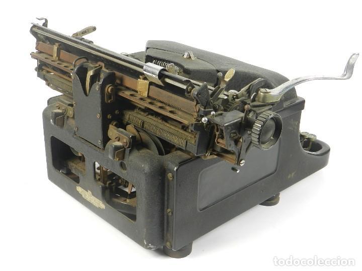 Antigüedades: MAQUINA DE ESCRIBIR REMINGTON Nº11 SPEED STROCKE 1936 TYPEWRITER SCHREIBMASCHINE - Foto 6 - 204266596