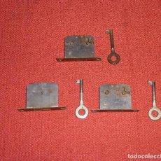 Antigüedades: LOTE DE 3 CERRADURAS CON LLAVE.. Lote 204370791
