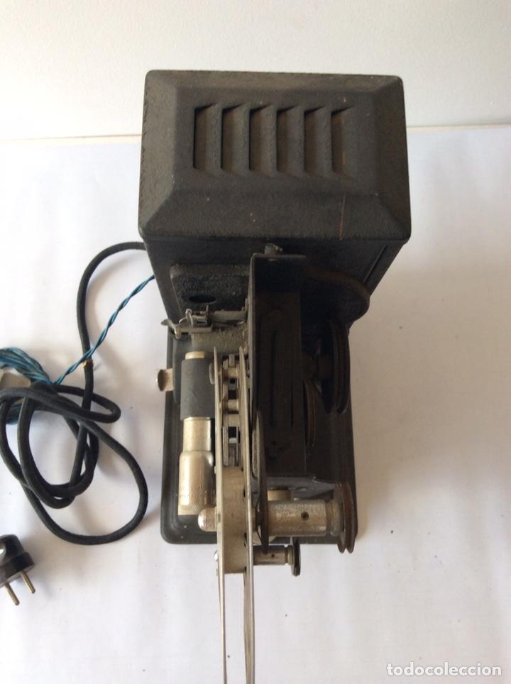 Antigüedades: PROYECTOR KEYSTONE MODELO G-8 115 VOLTS 8MM - Foto 5 - 204404950