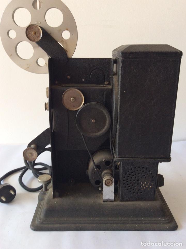 Antigüedades: PROYECTOR KEYSTONE MODELO G-8 115 VOLTS 8MM - Foto 8 - 204404950