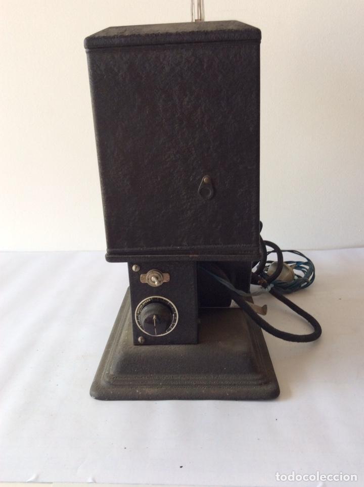 Antigüedades: PROYECTOR KEYSTONE MODELO G-8 115 VOLTS 8MM - Foto 9 - 204404950