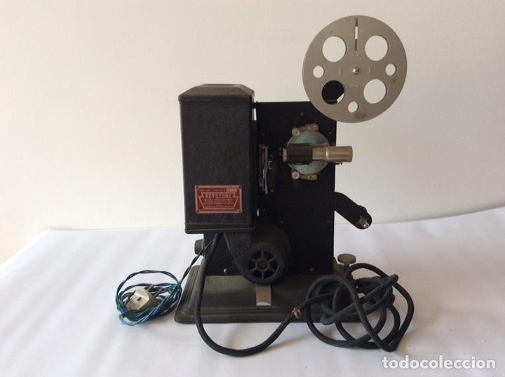PROYECTOR KEYSTONE MODELO G-8 115 VOLTS 8MM (Antigüedades - Técnicas - Aparatos de Cine Antiguo - Proyectores Antiguos)