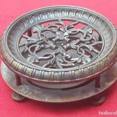Antigüedades: MIRILLA GRANDE ANTIGUA EN BRONCE - SIGLO XIX - COMPLETA. 1. Lote 204405735