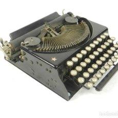 Antigüedades: MAQUINA DE ESCRIBIR REMINGTON SCOUT AÑO 1932 SOLO ESCRIBE MAYUSCULAS TYPEWRITER SCHREIBMASCHINE. Lote 204414446
