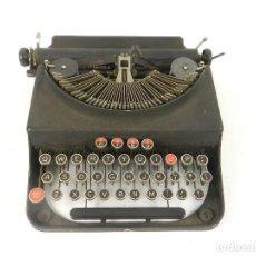 Antigüedades: MAQUINA DE ESCRIBIR REMINGTON MONARCH PIONEER AÑO 1937 TYPEWRITER SCHREIBMASCHINE. Lote 204427247