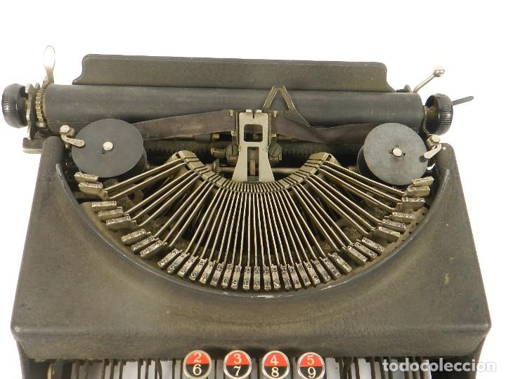 Antigüedades: MAQUINA DE ESCRIBIR REMINGTON MONARCH PIONEER AÑO 1937 TYPEWRITER SCHREIBMASCHINE - Foto 2 - 204427247