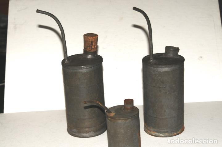 LOTE DE 3 RECIPIENTES DE ACEITE PARA MAQUINAS DE COSER E INDUSTRIALES (Antigüedades - Técnicas - Máquinas de Coser Antiguas - Otras)