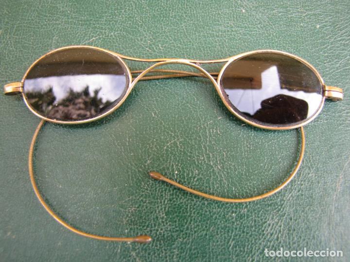 Antigüedades: 6- Antiguas gafas de sol en su funda. Baño oro - Foto 4 - 204462870
