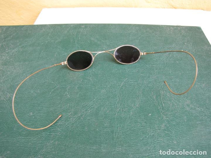 Antigüedades: 6- Antiguas gafas de sol en su funda. Baño oro - Foto 7 - 204462870