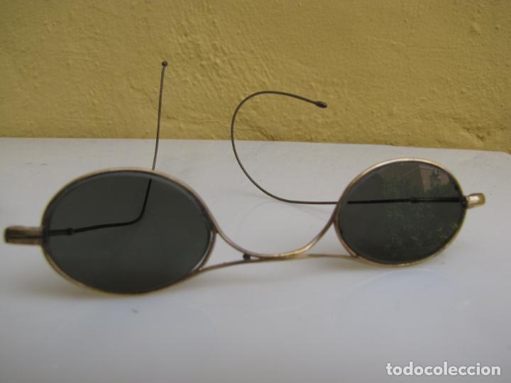 Antigüedades: 6- Antiguas gafas de sol en su funda. Baño oro - Foto 8 - 204462870