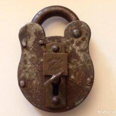 Antigüedades: ANTIGUO CANDADO SECURE LEVEL 4, ORIGINAL CON SU LLAVE.. Lote 204533460