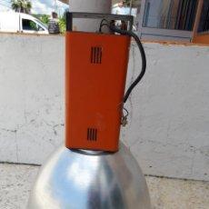 Antigüedades: DOS LAMPARAS INDUSTRIALES, 72CM DE ALTO X 51CM DE DIAMETRO. Lote 204613870
