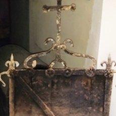 Antigüedades: MAGNIFICO HIERRO DE CHIMENEA SIGLO XVI.. Lote 204730635