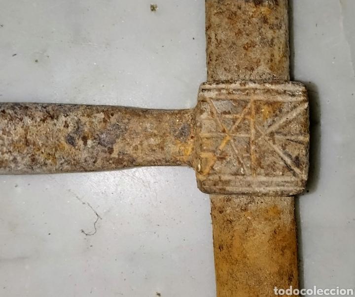 Antigüedades: Gran cerrojo de hierro dulce siglo XVIII. - Foto 3 - 204731137