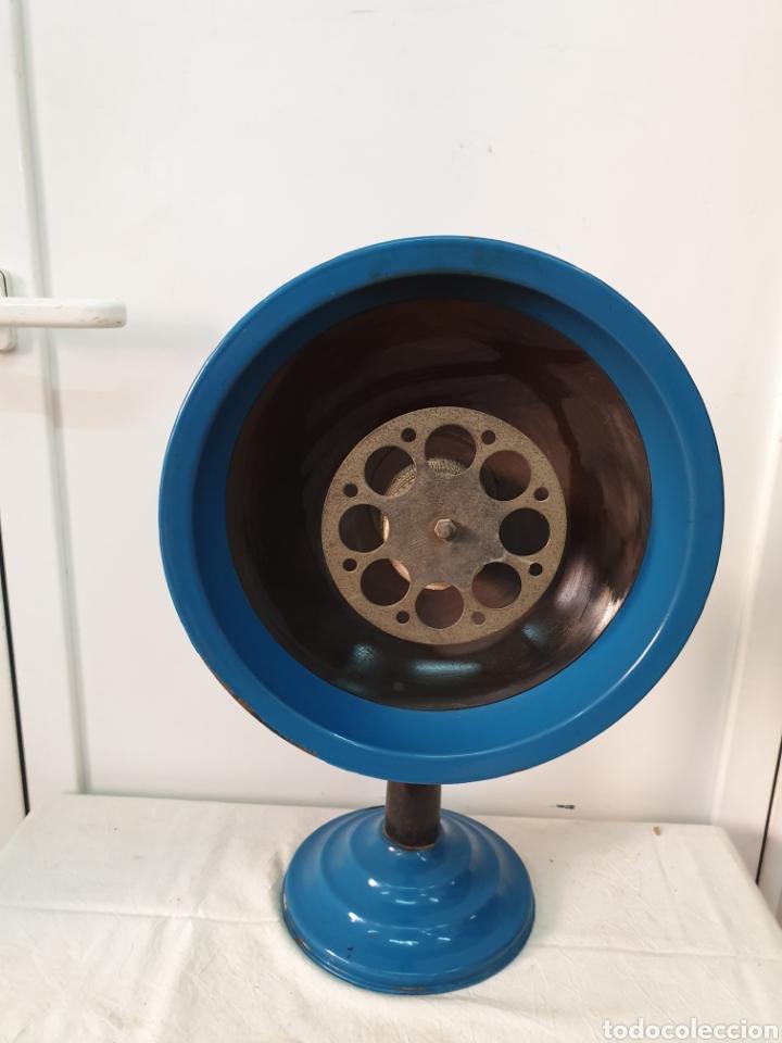 Antigüedades: Estufa de pantalla, hierro esmaltado - Foto 2 - 204744321