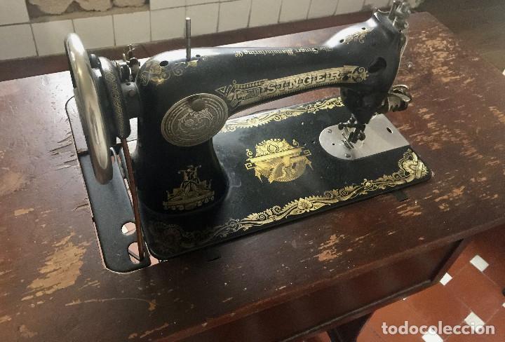 Antigüedades: MAQUINA DE COSER SINGER CON MESA DE MADERA Y PATAS FORJA VINTAGE 1900 FUNCIONA - Foto 6 - 204836838