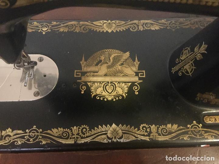 Antigüedades: MAQUINA DE COSER SINGER CON MESA DE MADERA Y PATAS FORJA VINTAGE 1900 FUNCIONA - Foto 8 - 204836838