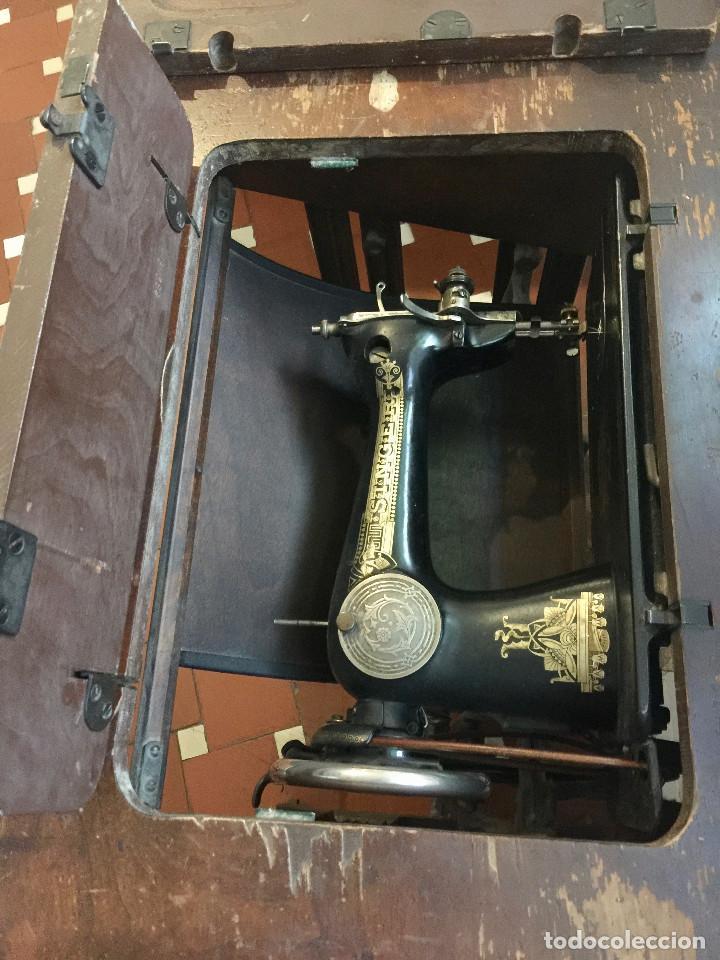 Antigüedades: MAQUINA DE COSER SINGER CON MESA DE MADERA Y PATAS FORJA VINTAGE 1900 FUNCIONA - Foto 16 - 204836838