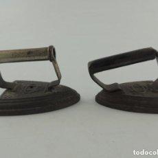 Antigüedades: DOS PLANCHAS DE HIERRO. Lote 204845151