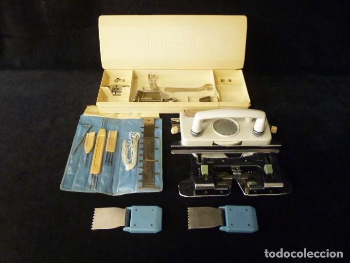 DESPIECE Y CAJA HERRAMIENTAS ANTIGUA TRICOTOSA BROTHER KR-580 (Antigüedades - Técnicas - Máquinas de Coser Antiguas - Complementos)