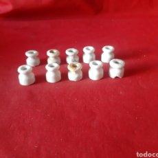 Antigüedades: LOTE 10 ANTIGUOS HILADORES DE CABLES EN PORCELANA BLANCA. Lote 205148535